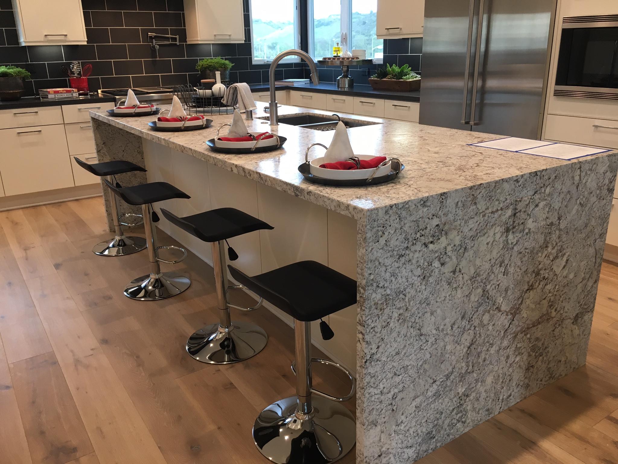 Granite Countertops With Backsplash
