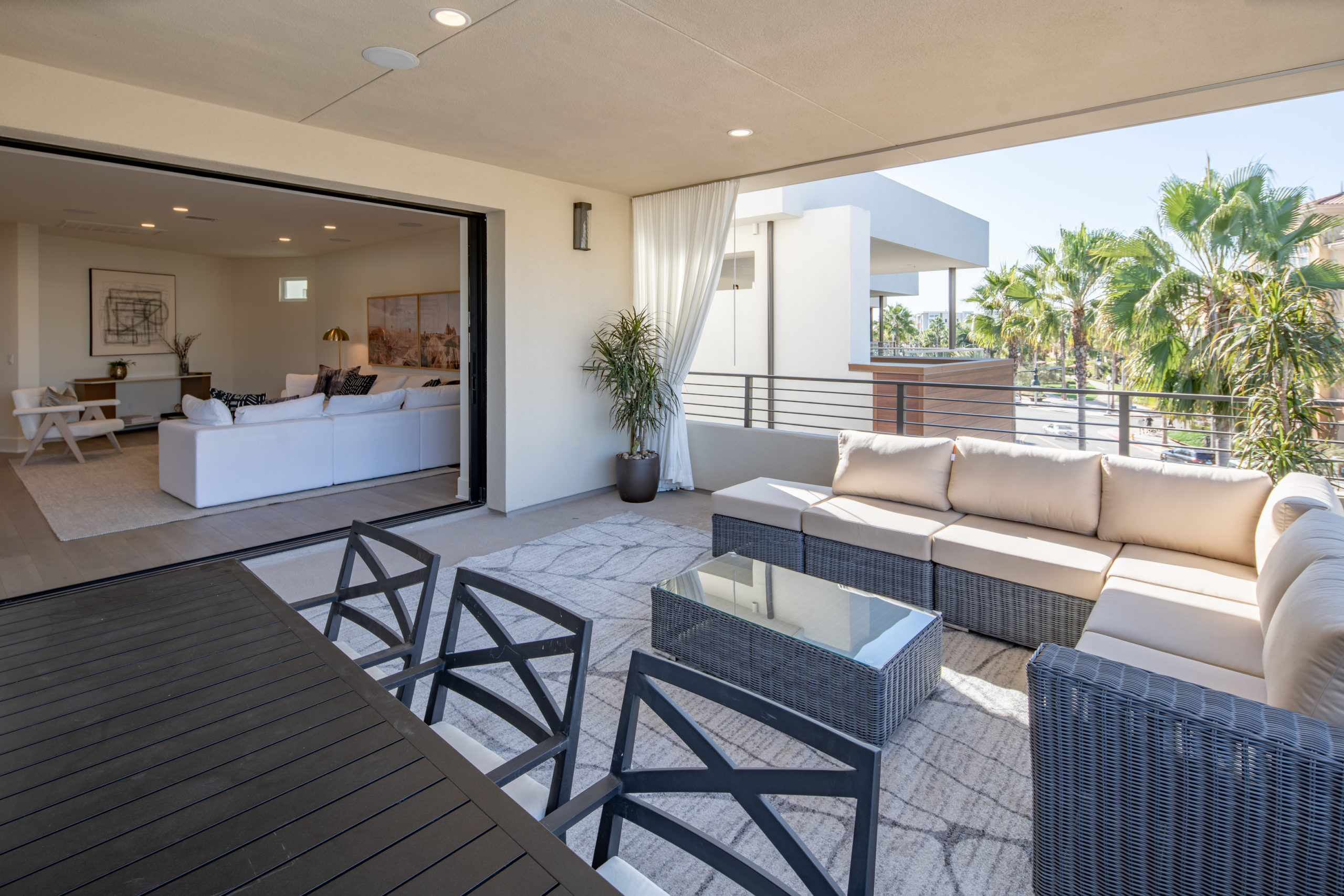 The collection covered deck in playa vista