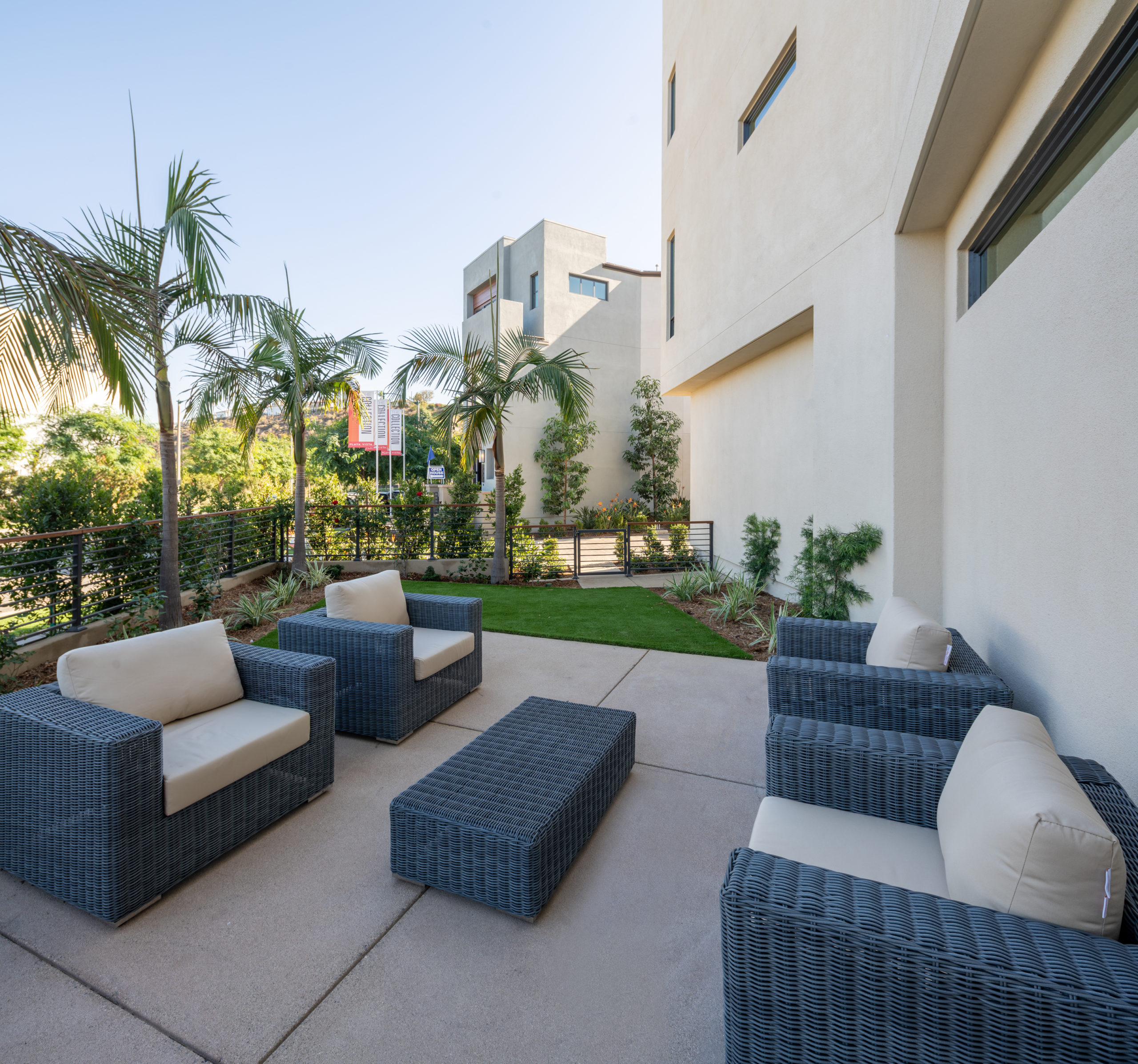 The collection side yard in playa vista