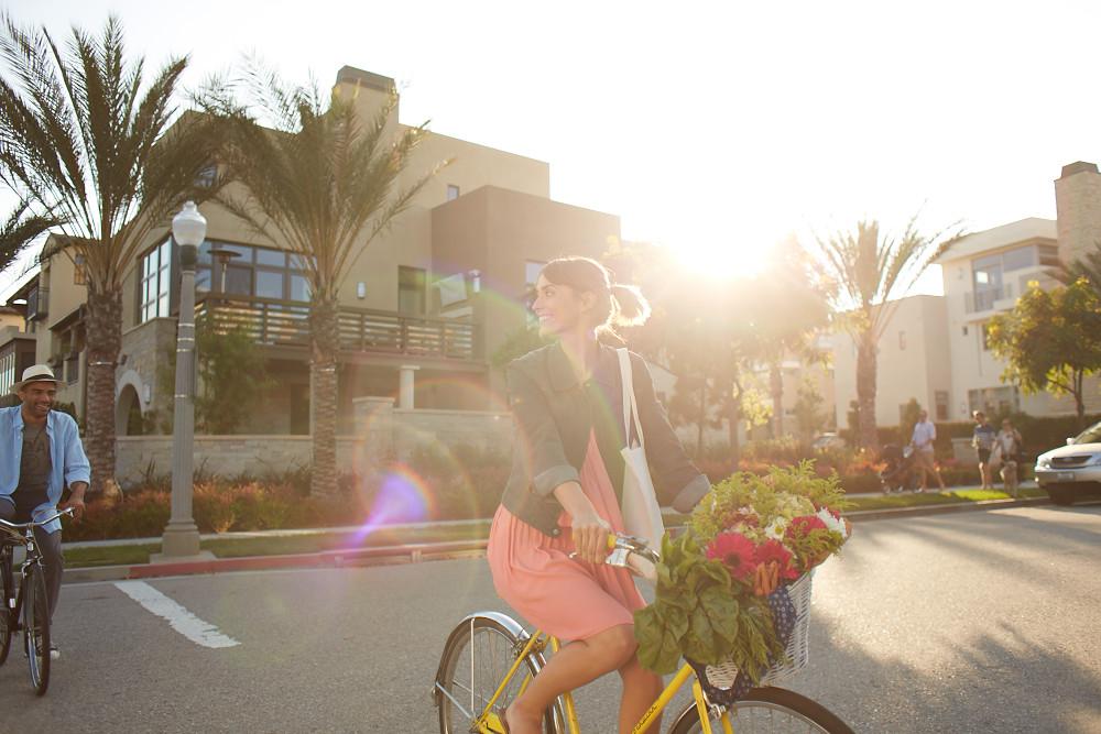 Biking and walking in Playa Vista